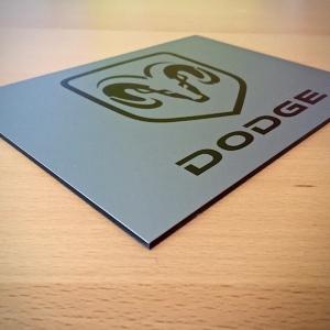 dodge-reklamtabla